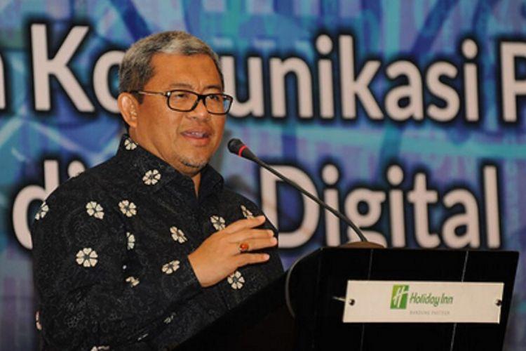 Gubernur Jawa Barat Ahmad Heryawan meminta lembaga humas pemerintah mampu menyebarkan berita positif guna menangkal informasi palsu.