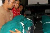 Tiga Anak yang Tewas Diajak Ibu Minum Racun Dimakamkan Berdampingan