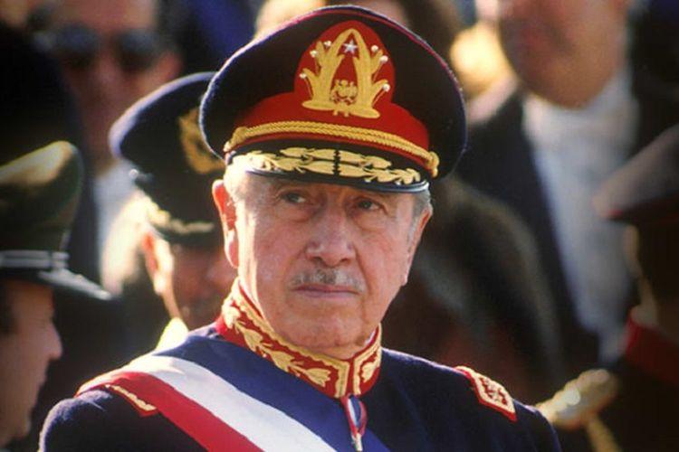 Augusto Pinochet, Presiden dan Diktator Chile.