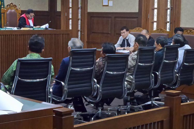 Sidang kasus korupsi pengadaan Kartu Tanda Penduduk berbasis elektronik (e-KTP) di Pengadilan Tipikor Jakarta, Jumat (27/10/2017).