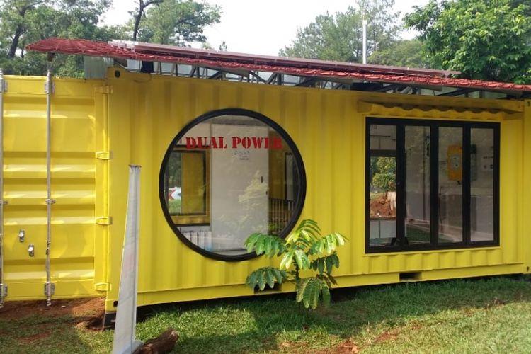 Sofwan House TREC FTUI, rumah kontainer yang menggunakan sistem listrik dual power.