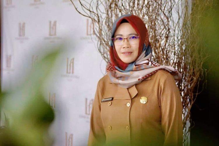 Sekretaris Dinas Pengendalian Penduduk Keluarga Berencana Pemberdayaan Perempuan dan Perlindungan Anak (DP2KBP3A), Kabupaten Lombok Barat, Erni Suryana.