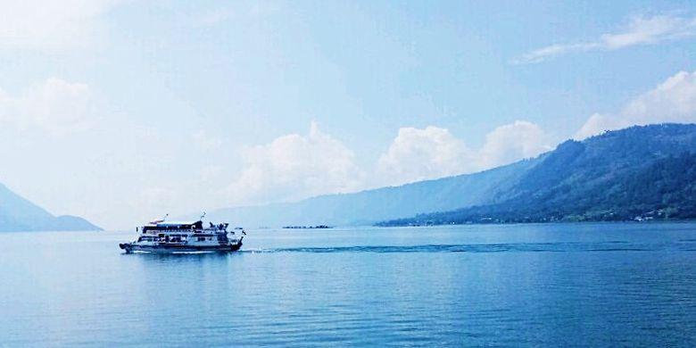 Danau Toba adalah pusat wisata yang berkembang di Sumatera Utara.