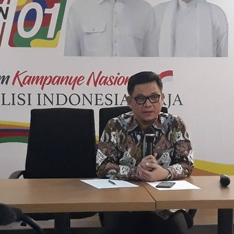 Juru Bicara Tim Kampanye Nasional (TKN) Jokowi-Maruf, Ace Hasan Syadzily, di Posko Cemara, Menteng, Jakarta Pusat.