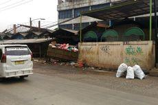 Bau Sampah di Pasar Cimanggis-Ciputat Masih Tercium meski Sudah Tutup Hidung