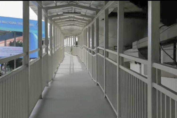 Ramp jembatan penyebrangan multiguna (JPM) atau skybridge Tanah Abang, Rabu (12/12/2018).