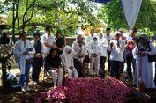 Tony Prasetiantono Dimakamkan di Makam Keluarga Besar UGM