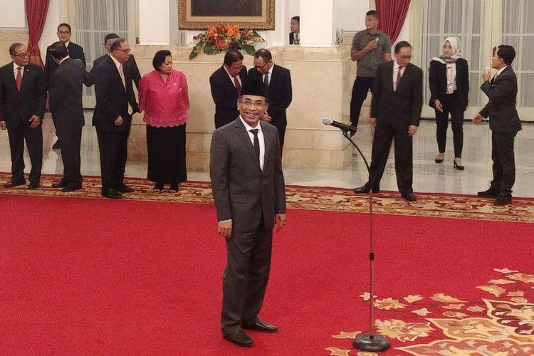 Yahya Cholil Staquf saat dilantik sebagai salah seorang anggota Dewan Pertimbangan Presiden (Watimpres), di Istana Negara, Kamis (31/5/2018).
