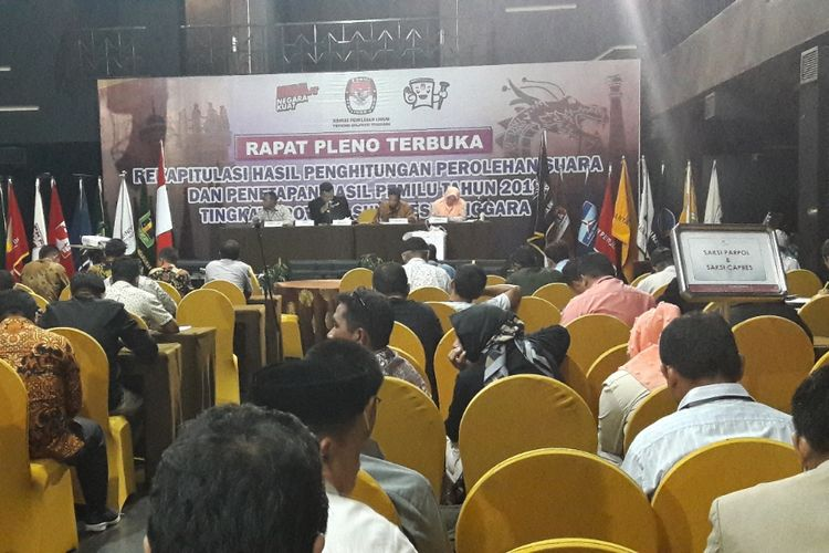 Rapat rekapitulasi perolehan suara pemilu 2019 oleh KPU Sultra