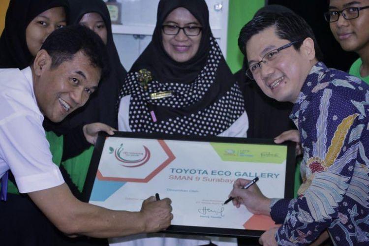 Toyota Eco Gallery tahap ke-3 di SMA 9 Surabaya, Jawa Timur