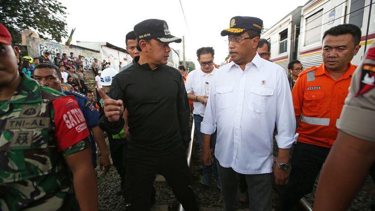 Menteri Perhubungan dan Wali Kota Bogor Meninjau Lokasi KRL Anjlok
