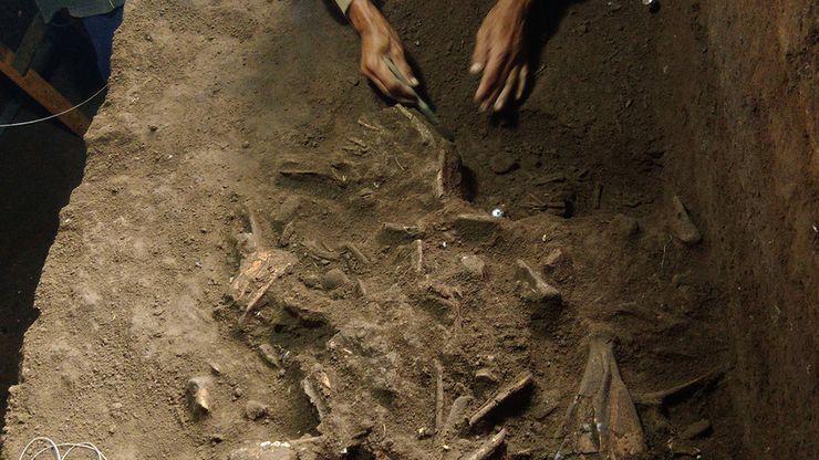 Menelusuri Jejak Manusia Purba di Gua Braholo Gunungkidul