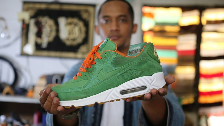 ''Menyelamatkan'' Sneakers Langka Air Max ''Homegrown'' dari Pelapukan
