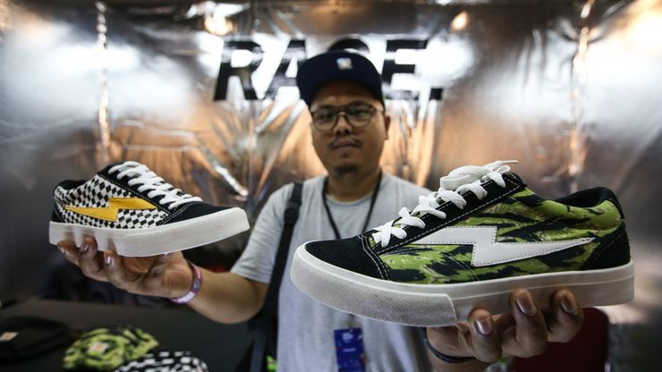 Berburu Streetwear di Urban Sneaker Society