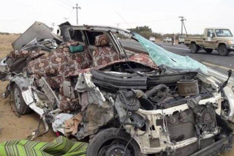 Kondisi mobil yang ditumpangi keluarga Sami bin Muhammad Al Nami setelah kecelakaan.