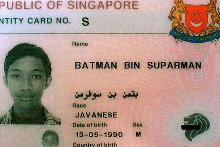 Kartu identitas Batman bin Suparman, warga Singapura, yang menjadi korban penyerangan rekannya.
