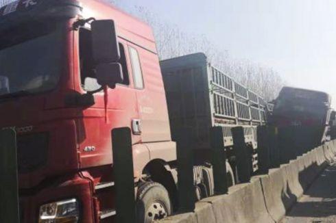 Kabut Tebal di Jalan Raya China, 28 Truk Tabrakan Beruntun