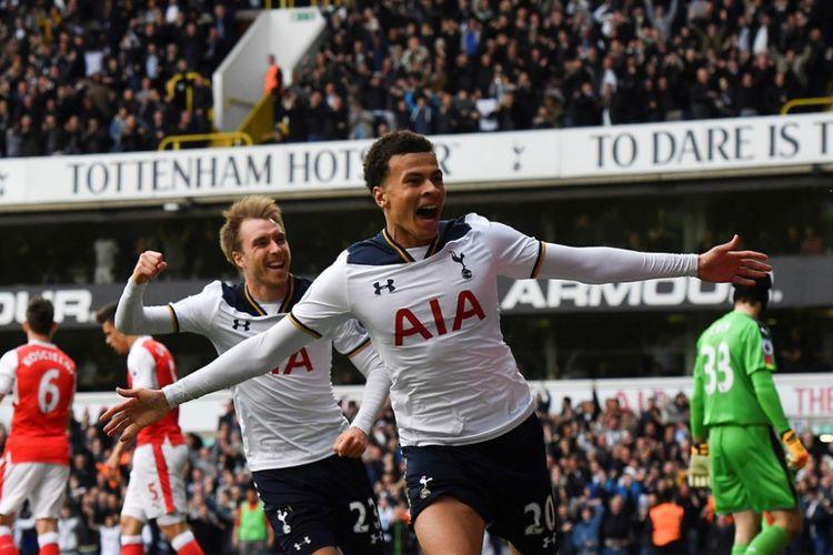 Delle Ali merayakan gol Tottenham Hotspur ke gawang Arsenal pada partai lanjutan Premier League - kasta teratas Liga Inggris - di Stadion White Hart Lane, Minggu (30/4/2017).