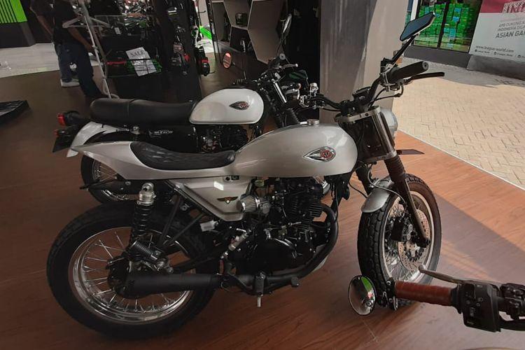 W175 custom di stan Kawasaki di Jakarta Fair Kemayoran (JFK) 2019.