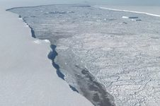 Seluruh Anggotanya Perempuan, Tim Ekspedisi Antartika Patahkan Mitos