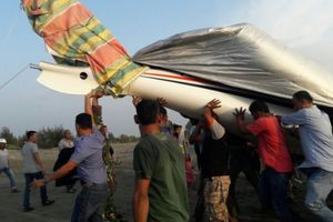 Warga Lihat Pesawat Gubernur Aceh Terbang Rendah lalu Terjungkal