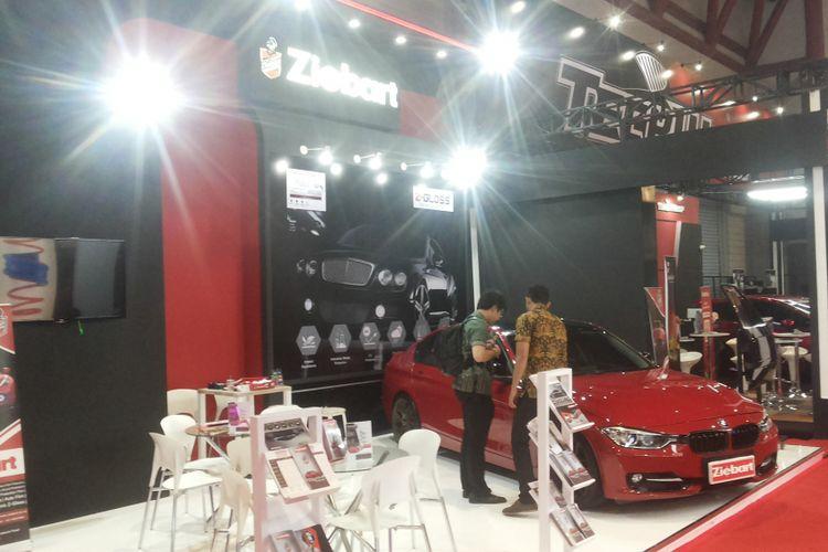 Booth produk perawatan mobil Ziebart di Indonesia International Motor Show (IIMS) 2018
