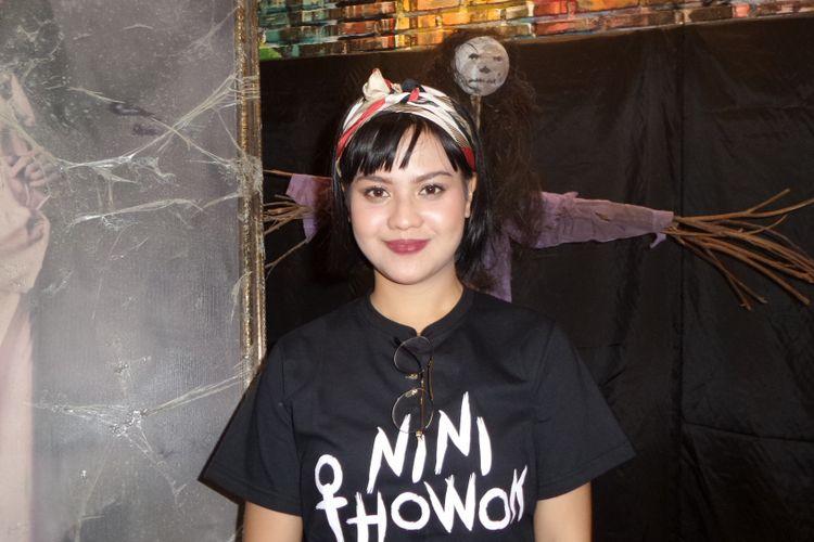 Mytha Lestari menghadiri perilisan trailer dan poster film Nini Thowok di The Hook Resto & Bar, Senopati, Jakarta Selatan, Kami (11/1/2018).