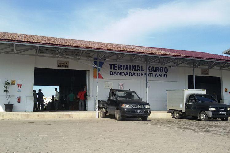 Ruang kedatangan kargo Bandara Depati Amir, Pangkal Pinang.