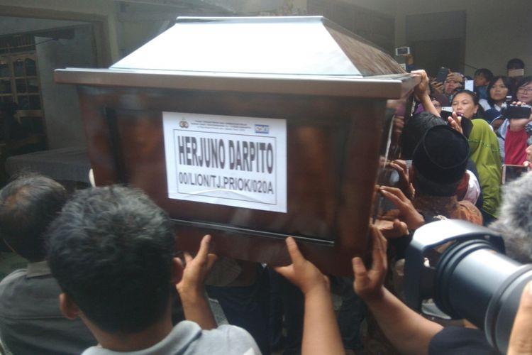 Jenasah Herjuno Darpito Korban Lion Air Tiba di Rumah Orang Tuanya di Nogosari 1, Desa Bandung, Kecamatan Playen, Gunungkidul Rabu (7/11/2018)