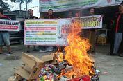 Protes Kominfo, Pemilik Outlet Bakar Puluhan Ribu Kartu Perdana Aktif
