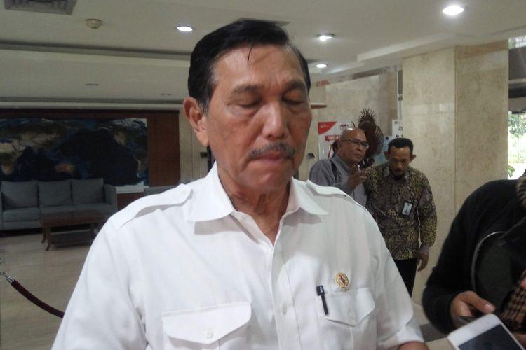 Menteri Koordinator Bidang Kemaritiman Luhut Binsar Pandjaitan saat diwawancarai di kantornya, Jakarta, Jumat (15/2/2019).