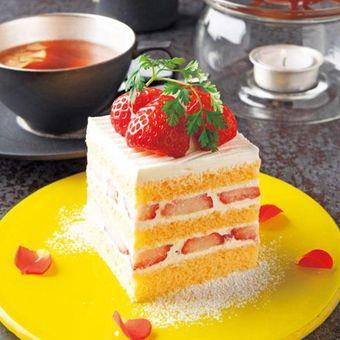 Strawberry Shortcake dan teh rasa Goshu no Ringo to Spice Honey