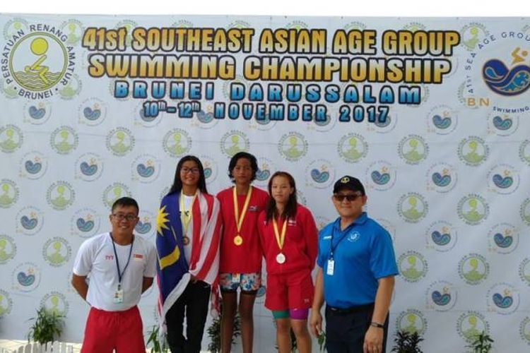 Kontingen Indonesia berhasil menambah 5 emas, 7 perak dan 5 perunggu di hari kedua kejuaraan renang bertajuk 41st South East Asia (SEA) Age Group Swimming Championship 2017 yang berlangsung di Brunei Darussalam, Sabtu, 11/11/2017.