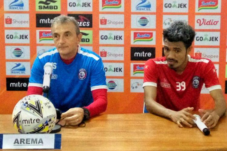 Pelatih Arema FC Milomir Saslija dan Alfin Tuasalamony  saat jumpa pers di Stadion Maguwoharjo, Sleman