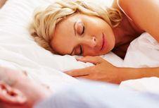 """""""Beauty Sleep"""" Nyata Ada, Bagaimana Mendapatkannya?"""
