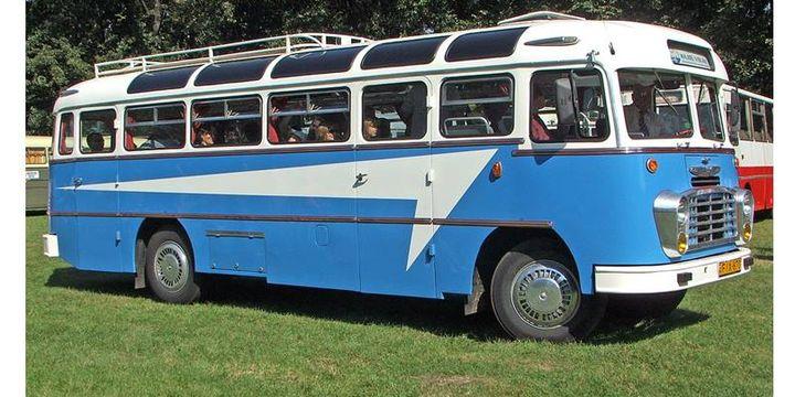 Salah satu jenis Bus Ikarus