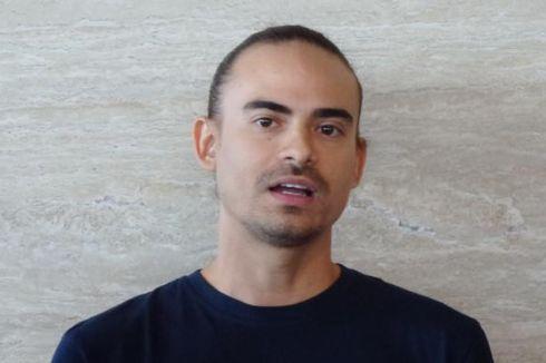 Satu-satu Gigi Ashraf Sinclair Tanggal dalam Trailer Film Horor