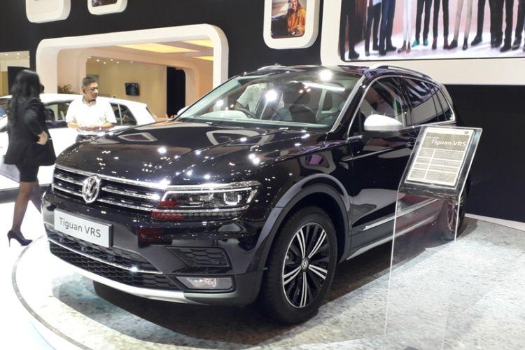 New Volkswagen Tiguan VRS yang diperkenalkan pada hari pembukaan Gaikindo Indonesia International Auto Show (GIIAS) 2018, di ICE, BSD City, Tangerang, Kamis (2/8/2018).