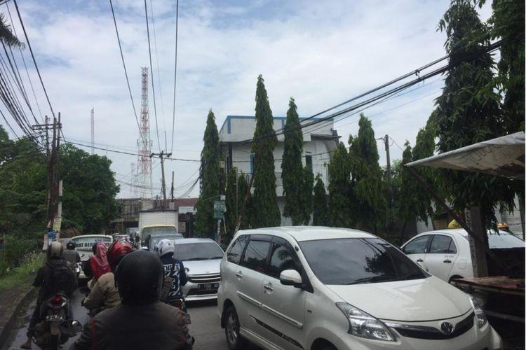 Jalan Pekapuran, Depok macet pada Jumat (30/11/2018) pagi.