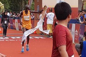 Pelari Kenya Ini Finis Pertama di Kategori Marathon Borobudur Marathon 2018