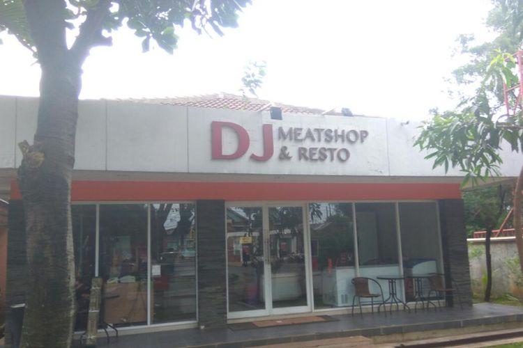 Outlet DJ yang menjual produk-produk olahan daging.