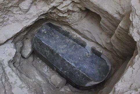 Misteri Mesir: Ahli Temukan Peti Mati Kuno Berukuran Raksasa