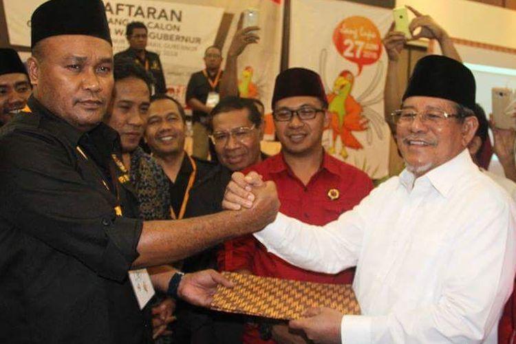 KPU Maluku Utara menerima berkas pendaftaran pasangan calon gubernur dan wakil gubernur, KH Abdul Gani Kasuba dan Al Yasin Ali, Rabu (10/1/2018) malam.
