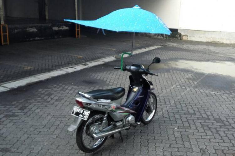 Review aksesori payung motor