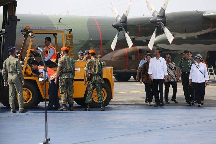 Presiden Joko Widodo saat melepas 34 ton bantuan kemanusiaan bagi pengungsi Rohingya, Rabu (13/9/2017).