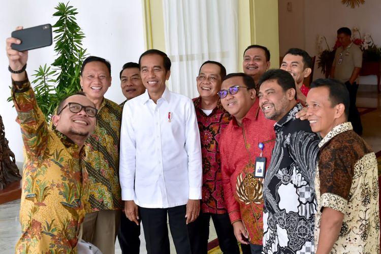 Presiden Joko Widodo mengundang pimpinan kelompok buruh ke Istana Bogor, Jumat (26/4/2019).