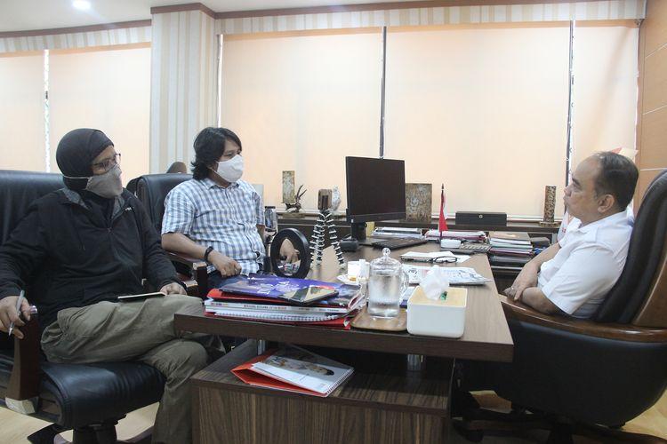 Suasana perbincangan Kompas.com dengan Wakil Menteri Desa, Pembangunan Daerah Tertinggal dan Transmigrasi (PDTT) Budi Arie Setiadi, di kantornya, Rabu (2/12/2020).