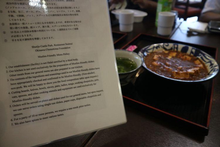 Suimui Resto, satu-satunya resto yang melayani hidangan halal di kawasan Shurijo Castle Park, Okinawa, Jepang, Jumat (29/6/2018). Shurijo Castle Park merupakan salah satu peninggalan kerajaan Ryukyu yang kini jadi warisan budaya dunia UNESCO di Okinawa, Jepang.