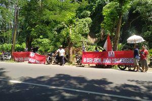 """Sandiaga Disambut Spanduk """"Ini Basis Jokowi"""" di Bali"""