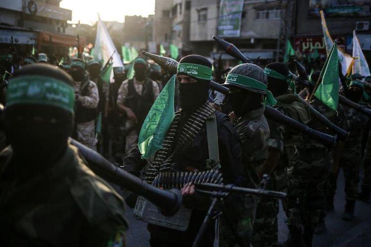 Anggota Brigade Izz Ad-Din Al-Qassam, sayap bersenjata Hamas, saat berada di Gaza, 2017 lalu.
